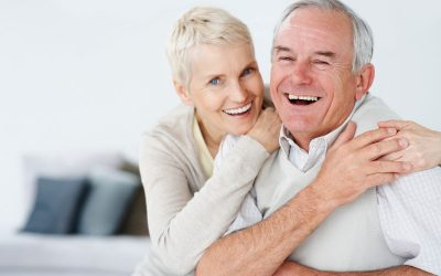 How to Manage Common Denture Issues While At Home in a Pandemic